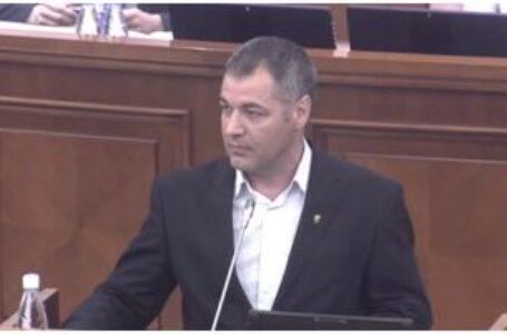 Scandalul agenților de influență ruși // Țîcu va propune Parlamentului adoptarea Legii Lustrației