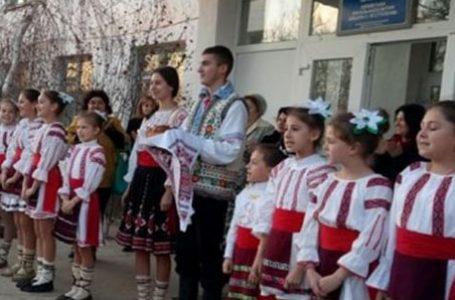 """Două școli din Sudul Basarabiei, regiunea Odesa solicită înlocuirea învățământului în limba """"moldovenească"""" cu învățământ în limba română"""