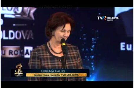 Eugenia Halus, directorul singurului liceu cu predare în limba română din Rîbniţa, laureată a Premiului pentru performanţă în educaţie