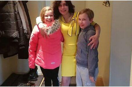 Fals DOVEDIT în actele prin care s-au luat de acasă copiii Cameliei Smicală: Șefa autorității care se ocupă de cazul lor riscă închisoarea, dar poliția și procuratura din Finlanda o protejează