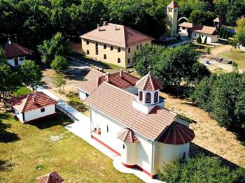Comori ale ortodoxiei românești din Timoc prezentate de Părintele Boian / Reportaj Trinitas TV