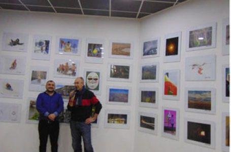 O expoziție de fotografie la care au participat fotografi de pe ambele Prutului a fost deschisă Chișinău