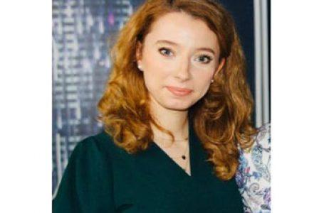 Corina Popa sau cum să renunți la o carieră universitar-diplomatică la Madrid pentru a fi pedagog la Școala de Gramatică din București