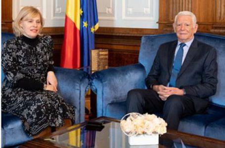 Președintele Senatului îi aduce aminte ambasadorului Republicii Croația în România de românii din Croația! Peste 30.000 de români și românofoni în Croația fără drepturi și 6700 de croați în România cu toate drepturile…