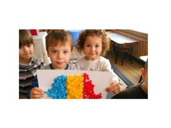 Dramatic! Aproape 600.000 de copii și tineri români sub 20 de ani trăiesc în alt stat al Uniunii Europene – numărul cel mai ridicat din întregul spațiu comunitar! Ce face România pentru ei?