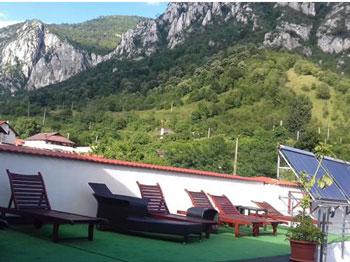 The Guardian: O staţiune din România, în TOP 10 destinații de vacanță wellness și spa din estul Europei
