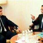 Foto: Ministrul de externe maghiar Peter Szijjarto și ministrul de externe ucrainean Pavlo Klimkin (Photograph: Zsolt Szigetvary/EPA)