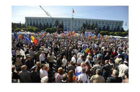 De teama unioniștilor, Dodon blochează Piața Marii Adunări Naționale din Chișinău