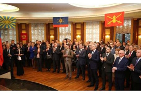 Slugile pro-ruse de la Chișinău pupă tălpile ocupantului la Ambasada Rusiei de la Chișinău