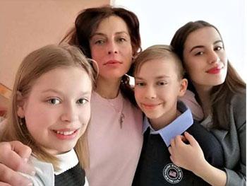Maria Smicală: Ajutați-ne pe mine și pe fratele meu să ajungem înapoi acasă!