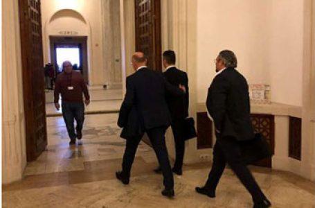 După ce a sărit în barca Rusiei alăturându-se lui Dodon, fostul premier al R. Moldova, Pavel Filip, caută sprijin pentru trădarea sa la București. Poate îl ajută agentura rusă din România…