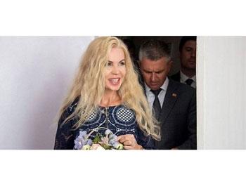 Deputatații Matei Dobrovie de la București și Lilian Carp de la Chișinău cer retragerea cetățeniei române soției marionetei rusești de la Tiraspol