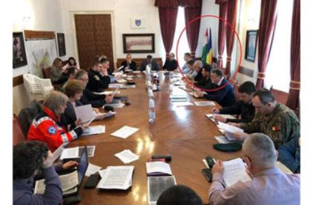 La Odorheiu Secuiesc, ședințele Comitetului local pentru situații de urgență se țin cu drapelul Ungariei
