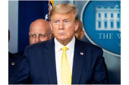 Donald Trump, cel mai informat om de pe planetă, liniștește demența mass-media cu coronavirusul: anul trecut, 37.000 americani au murit din cauza gripei comune… Nimic nu s-a închis, viața și economia merg mai departe