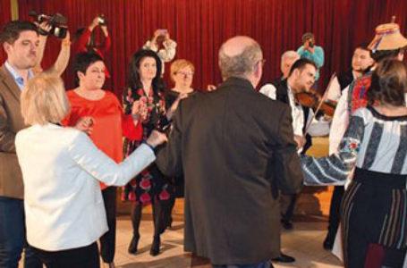 Mărţişor cultural românesc la Chitighaz, în Ungaria, cu invitaţi din Maramureş