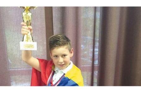 Campionul Uniunii Europene la șah este român. Are zece ani și a uimit o lume întreagă