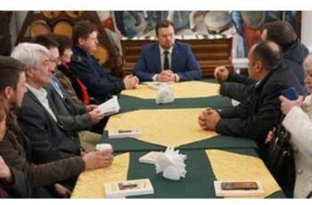 """Deputatul Daniel Popescu: """"Solicit Guvernului României o politică fermă pentru sprijinul românilor din Nordul Bucovinei… Trebuie ca politica externă a României să fie mult mai fermă"""""""