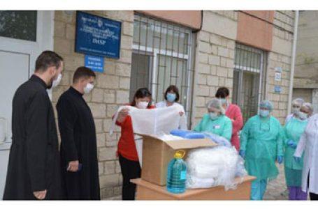 Mitropolia Basarabiei (Patriarhia Română) a donat echipament medical de protecție centrului de sănătate dintr-o comună de lângă Chișinău