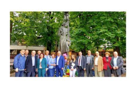 Cernăuți: 131 de ani de la trecerea în veșnicie lui Mihai Eminescu – omagiu adus Luceafărului poeziei românești