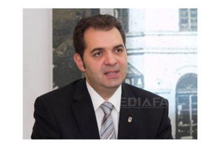 Încă o dată ADEC suplinește statul român: Sentință DEFINITIVĂ: primarul UDMR din Sfântu Gheorghe a încălcat limba oficială de stat în cazul plăcii de pe Casa cu arcade