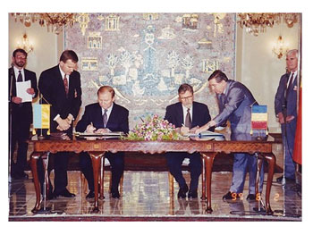 DEZVĂLUIRI din culisele SRI și CIA: Cum au vândut Emil Constantinescu și  Adrian Severin românii din Nordul Bucovinei, Herța și Sudul Basarabiei –  RGN Press