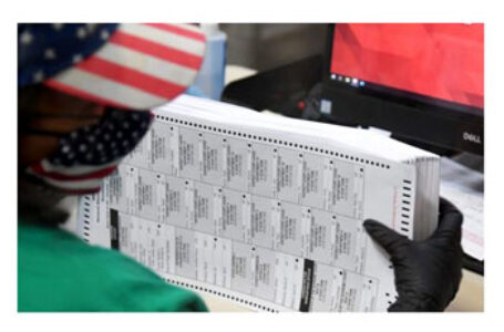 Pennsylvania: Un judecător blochează temporar certificarea rezultatelor alegerilor din stat care îl dădeau câștigător pe Biden