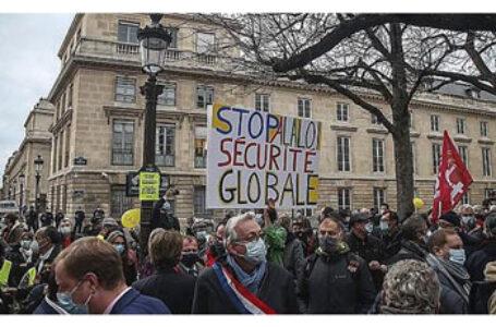 Francezii și germanii au protestat împotriva unor legi naziste pe care autoritățile supuse Big Farma din Franța și Germania le adoptă