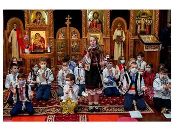 """Serbarea de Crăciun a parohiei românești """"Înălţarea Sfintei Cruci"""", Torino 2"""