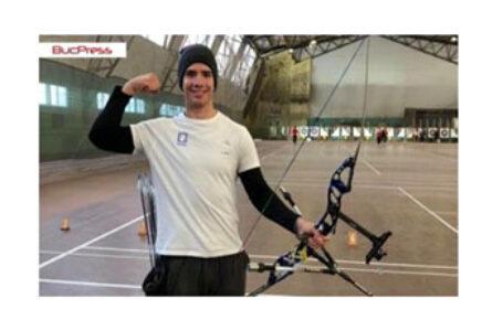 Tineri români cu care ne mândrim. Arcașul cernăuțean Ion Cojocari a devenit campion național la tir cu arcul