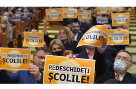 AUR somează guvernul Câțu să deschidă școlile și să adopte măsuri de urgență pentru salvarea școlii românești