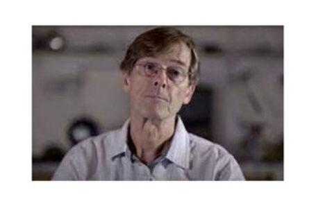 """Dr. Michael Yeadon : """"Guvernele mint într-un mod care ar putea duce la moarte"""""""
